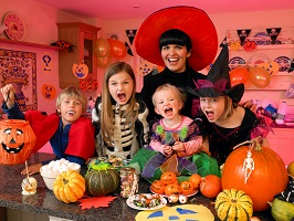 Halloween fun activities on tight budget